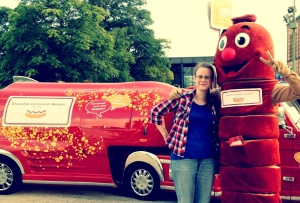 Jenni with the mascot from the Deutsches Currywurst Museum at Berlin's Lange Nacht der Museen